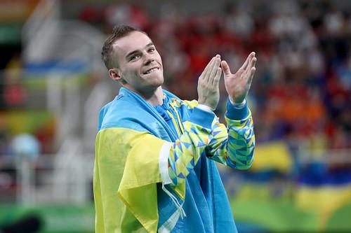 Житель россии Давид Белявский завоевал бронзу вупражнениях набрусьях вРио
